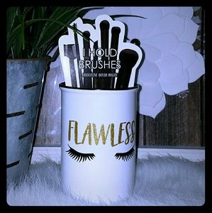 Other - Fashion Makeup brush holder cup